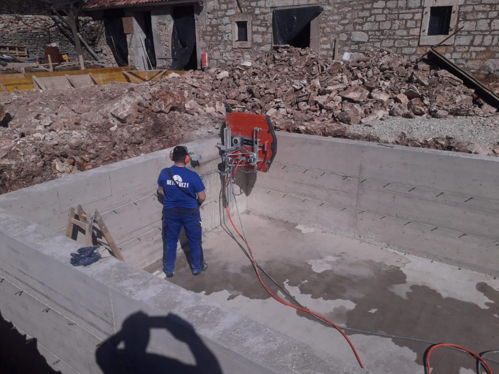 Rezanje otvora u AB zidu